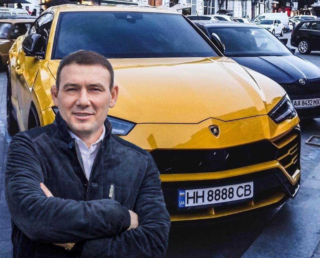 Одесский чиновник подарил сыну Lamborghini. Пятая в Украине