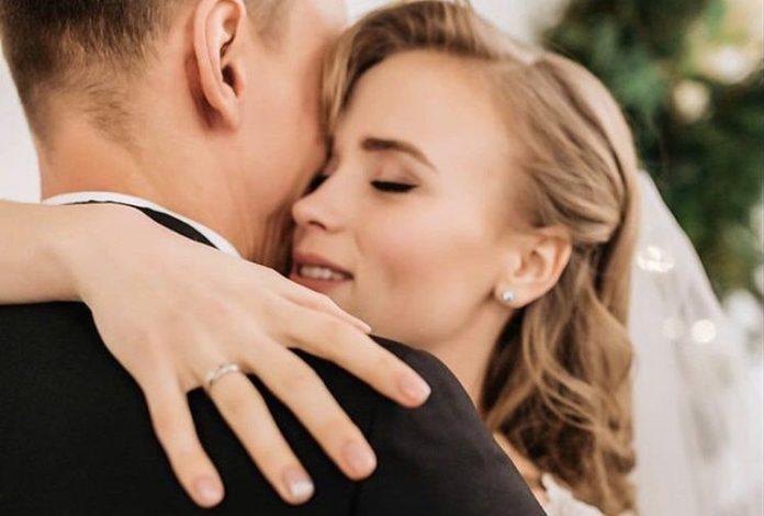 «Лучший!» Анна Кошмал впервые показала фото со своей свадьбы. «Узнали мужа?»