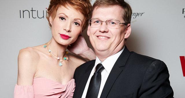 «Начал жрать за голову.» Невеста Розенко попала в реанимацию с ужасной травмой головы: что случилось