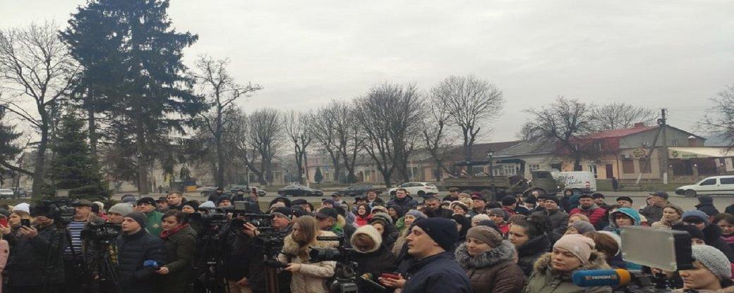 Люди вышли на улицы! Срочно обратились к Зеленскому. Президент сказал свое слово