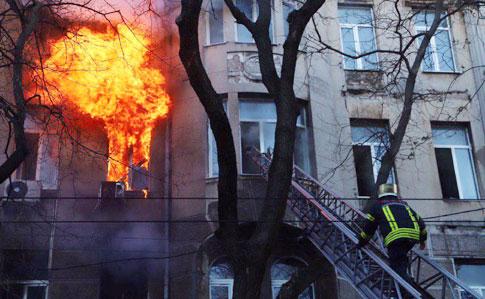 Срочно эвакуировали. В Харькове вспыхнуло общежитие набитое студентами. Повторяют судьбу Одессы?