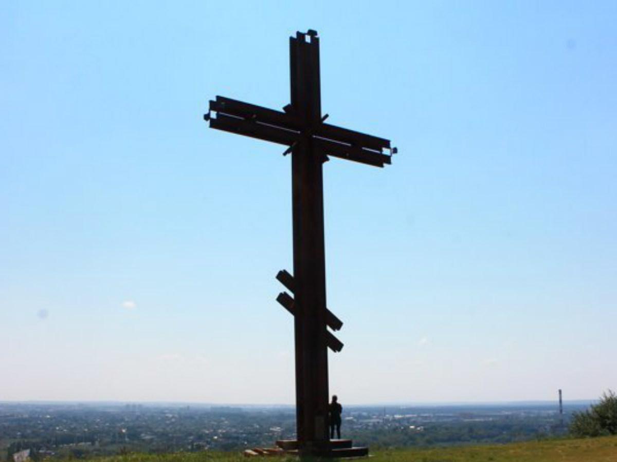 «Сожгите мое тело, когда я умру»: выпускник православной гимназии повесился на кресте