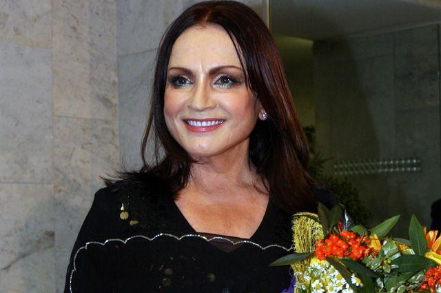 «На лице — силиконовые пластины»: СМИ сообщили шок-новость о Софии Ротару