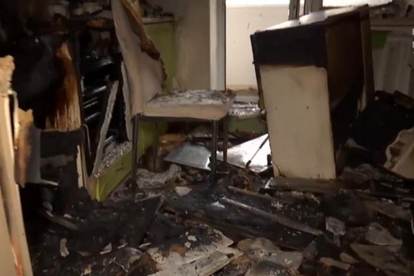 Чуть не расстались с жизнью. Громкий взрыв потряс многоэтажку. Выгорела дотла
