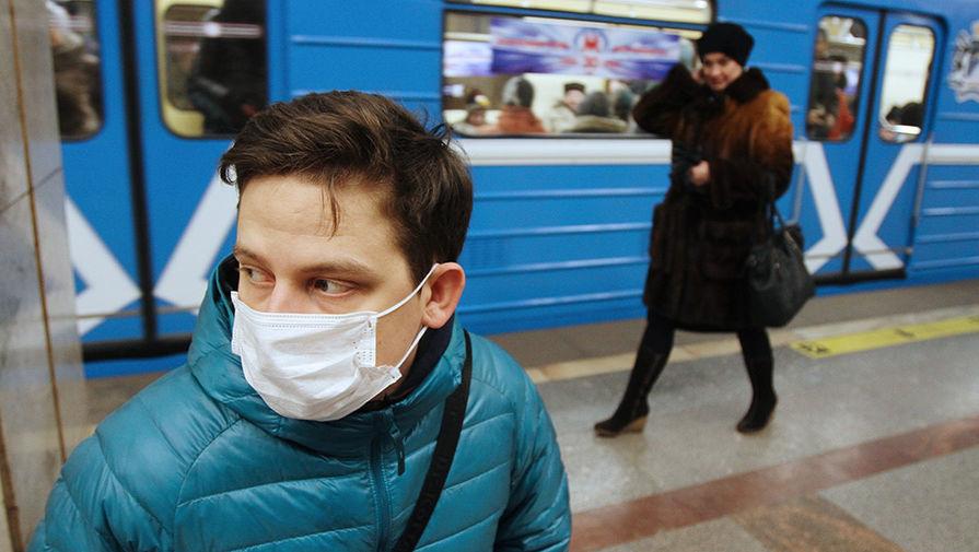 «У меня трое детей. Я не хочу умирать». Украинцев охватила паника из-за угрозы вируса. Уже не здоровкаются