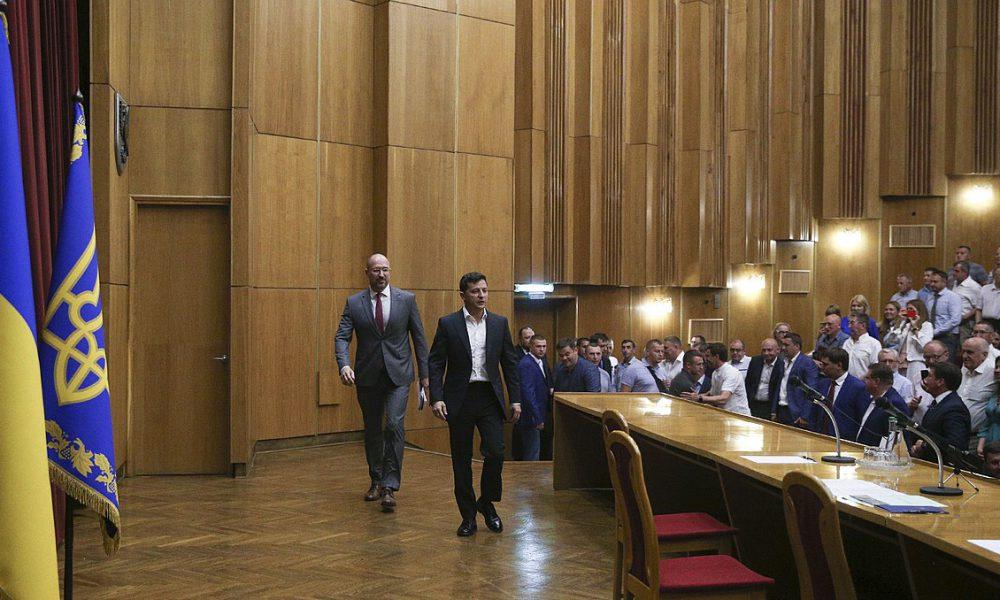 В МВФ будут довольны! Зеленский и Шмыгаль пошли на неожиданный шаг, понесет ответственность