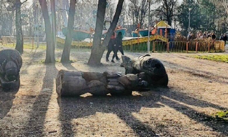 «На глазах у шокированных родителей»: 10-летняя девочка погибла страшной смертью в парке. «8 марта»