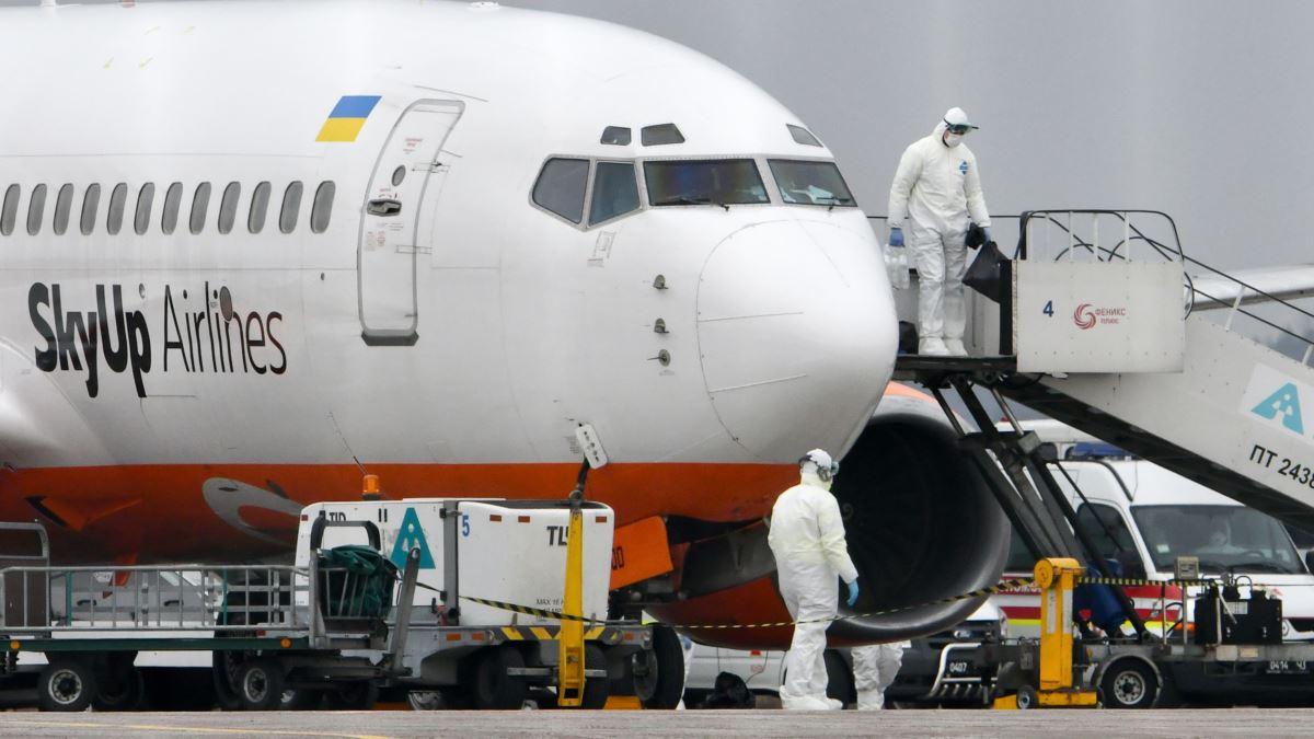 С личной инициативы Зеленского! Самолет срочно вылетел за украинцами, которые застряли в охваченной коронавирусом Италии