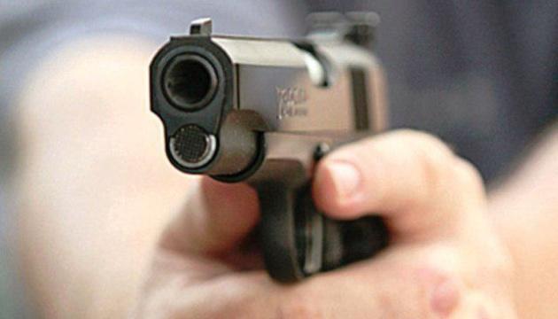 Могла убить собственного ребенка: женщина устроила стрельбу посреди улицы. Город на ногах
