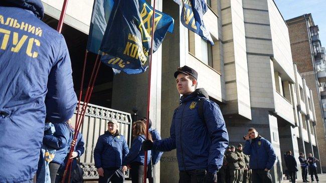 «Реванша не будет!» Украинцы штурмуют Конституционный суд. Никаких «людей Януковича». Грядет скандл