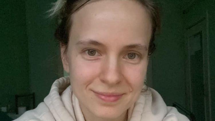 «Странные ознобы и першение в горле.» Киевлянка рассказала о новых симптомы коронавируса. «Даже не подозревают, что больны»