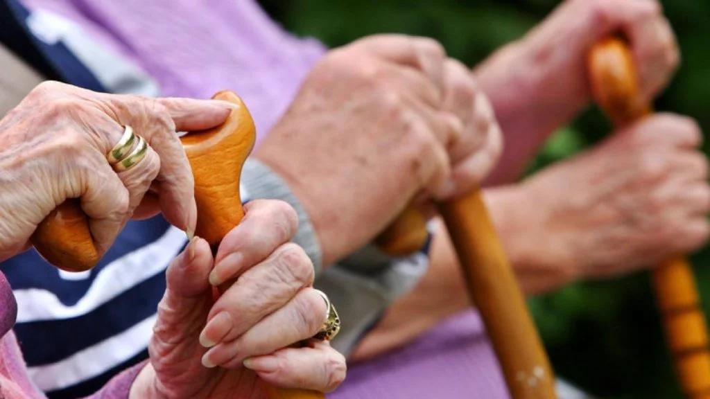 Новый минимум. Украинцам увеличили пенсии: сколько теперь будут получать