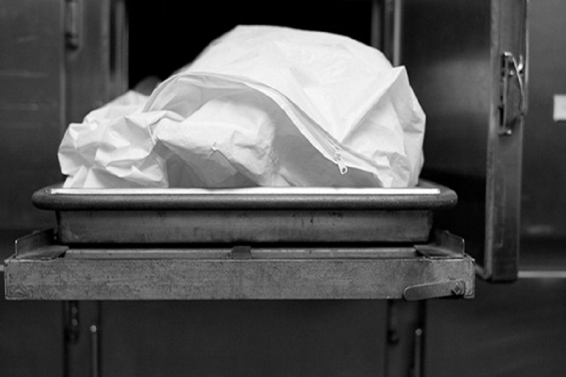 Тело нашли прохожие: в Киеве девушка совершила жуткое самоубийство. Загадка для полиции