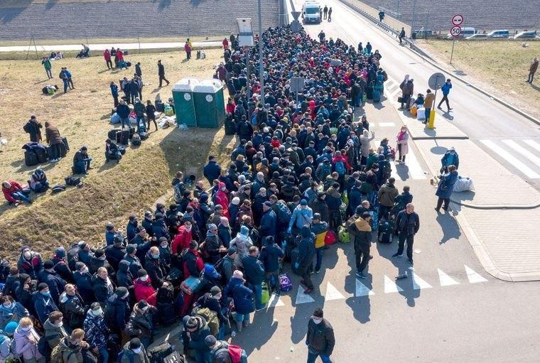 Обещают сжечь таможню: на границе с Украиной происходит немыслимое. Кричат и плачут