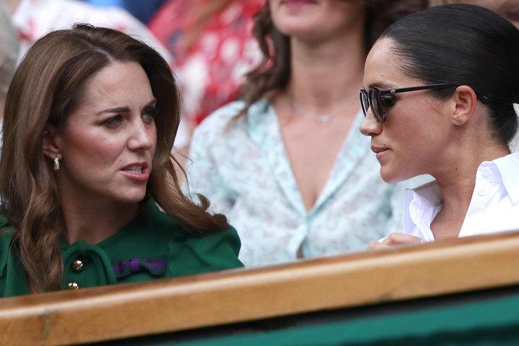 «Особенно Кейт»: Маркл жестко раскритиковала королевскую семью. Поклонники не верят своим ушам. Как мерзко