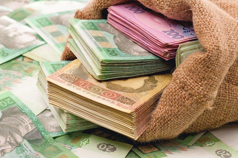 Украинцам возместят 50% от зарплаты. Кого это коснется и что нужно знать
