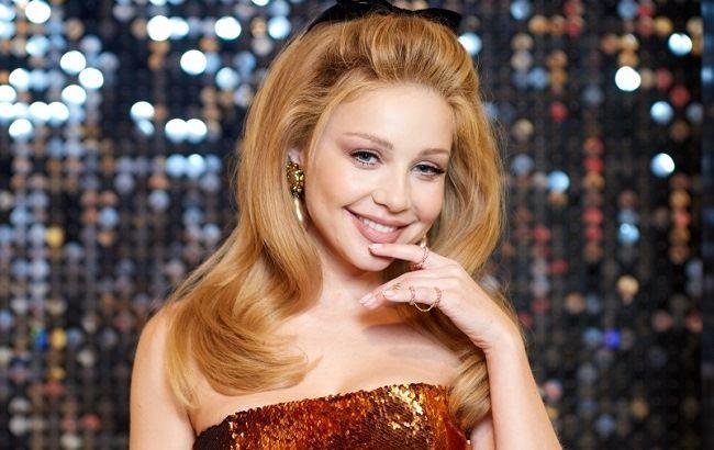 «Променяла Дана, на этого лысого»: Тина Кароль поцеловала известного актера на глазах у шокированной публики