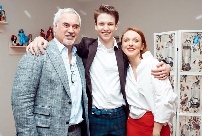 «Не могу справиться с эмоциями»: Альбина Джанабаева впервые высказалась о сыне. Валера, помоги!
