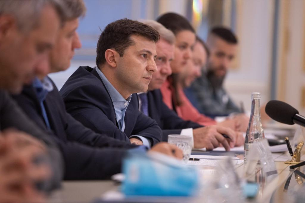 «Должны прийти в субботу!»: Зеленский провел срочную встречу с лидерами фракций. «Это их ответственность!»