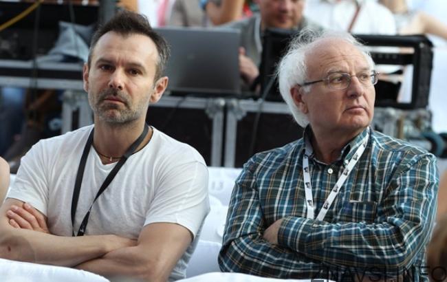 Срочно! Умер отец Вакарчука… Трудно сдержать эмоции. Депутат поразил словам