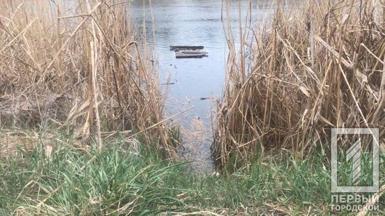 «У тела отсутствуют ноги»: На Днепропетровщине нашли жестоко убитой женщину. «В мешке в реке»