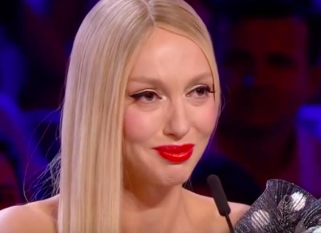 «Припухшие лицо все в синяках»: Дочь Поляковой шокировала внешним видом. «Мама в курсе?»