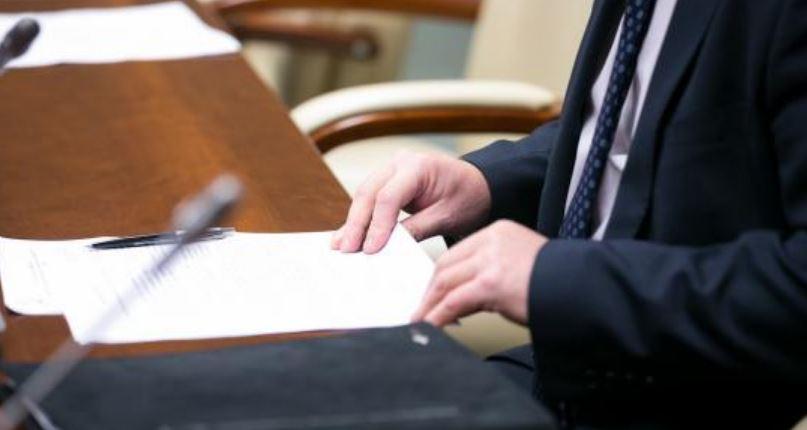 «Крышевал» его соратник Порошенко»: Громкая отставка скандального чиновника. Откаты и схемы.» Привлекал родственников»