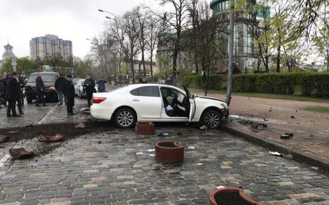 «Пытался убежать на авто!»: СБУ задержали на горячем «сотрудника Кабмина». «Торговал должностями»