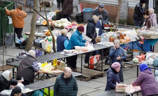 Обошли правила: украинский город готовится ослабить карантин. Поставили условия