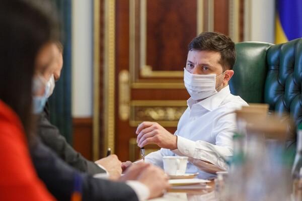 «Надеюсь пройдем спокойно.» Зеленский назвал серьезный вызов перед Украиной. «Рассматриваем варианты»