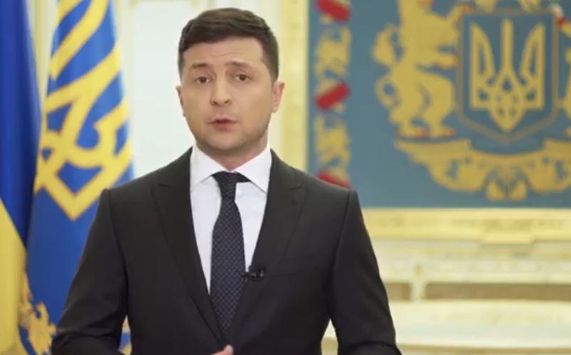 «Страшно — за всю свою жизнь…»: Зеленский срочно обратился к украинцам. «Пишут гадости»