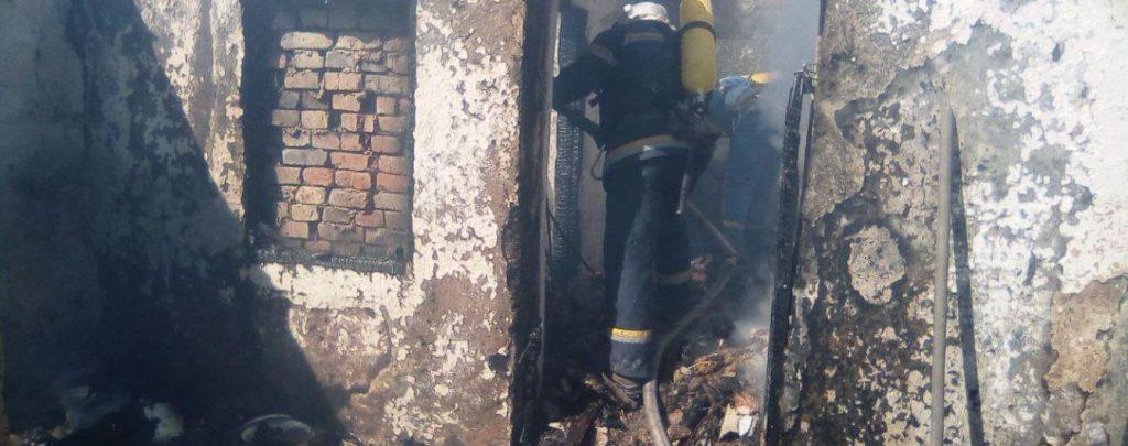 Остался единственный ребенок: трое малышей погибли в страшном пожаре. «Подперла дверь стульчиком».