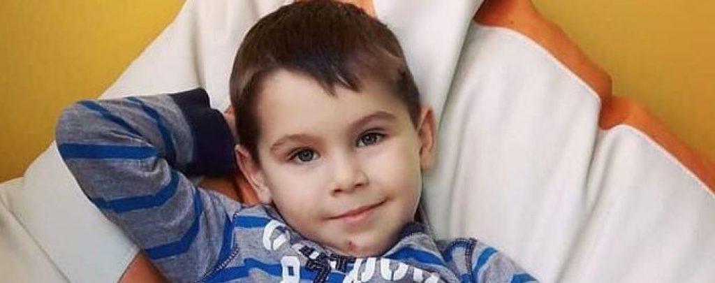 Жизнь маленького Данилка под угрозой. Помогите ему!
