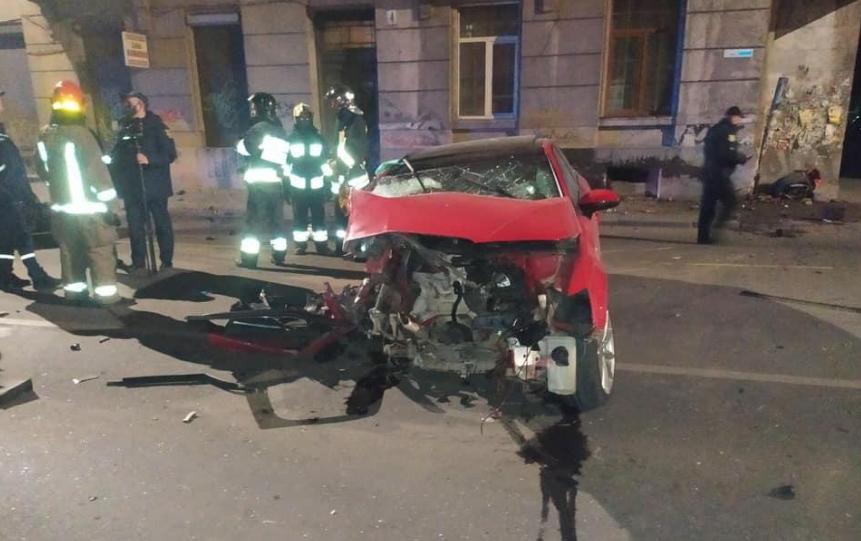 Мама умерла, ребенок борется за жизнь: на Пасху в Ивано-Франковске произошло жуткое ДТП