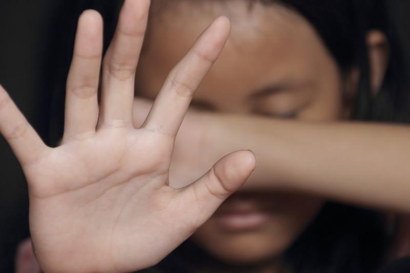 «Затянули в квартиру, избили и …»: подростки жестоко поиздевались над 11-летним мальчиком. Грозит 5 лет