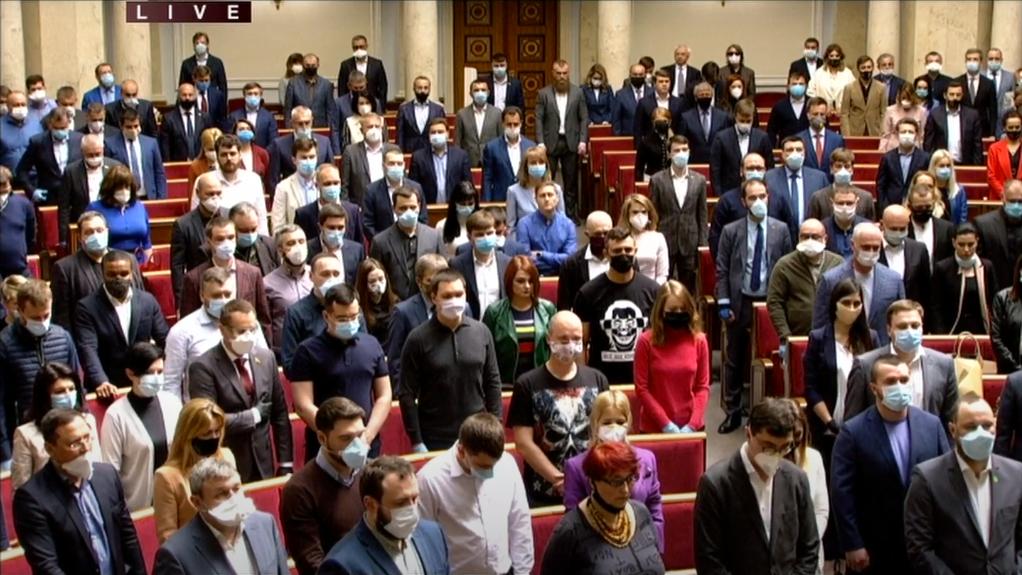 «Обмывают» закон: в разгар карантина «Слуги народа» собрались в киевском ресторане