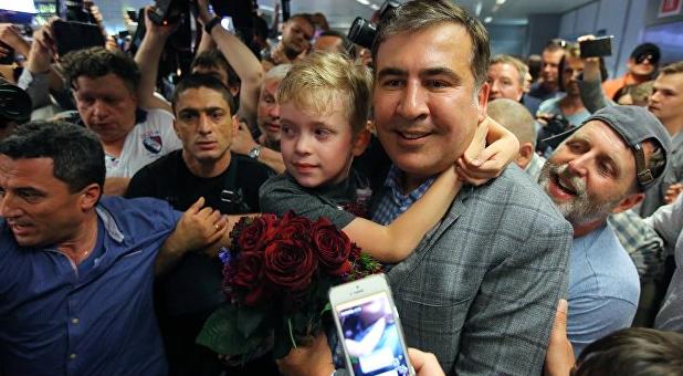 Разумков такого не ожидал! Саакашвили сказал им все! «Слуги» сделают это — полная мобилизация!