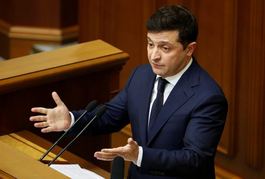 С вещами на выход! Громкое увольнение всколыхнуло Украину. Зеленский уже подписал указ