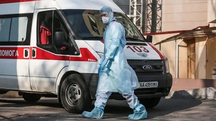17 летальных случаев за сутки! В Украине снова растет количество больных коронавирусом. Более 20 000 случаев