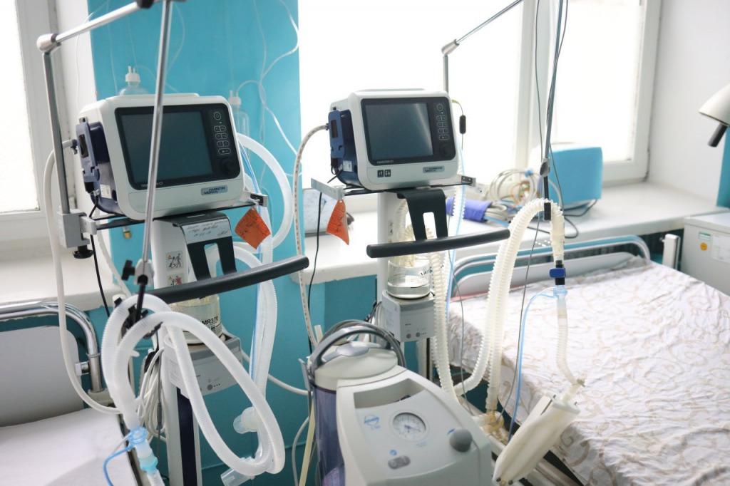 Еще одна! На Львовщине от коронавируса умерла 48-летняя женщина. Находилась на ИВЛ