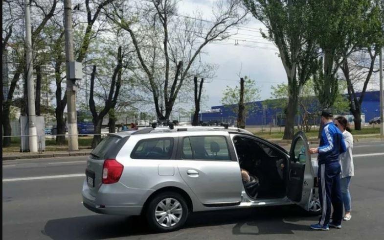 «Успел затормозить» В собственном авто посреди дороги погиб известный украинец. Сердце не выдержало