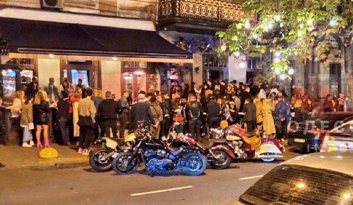 «Массовые дискотеки во время карантина»: В Одессе ночные клубы шокировали цинизмом. Труханову «прилетело» с ОП