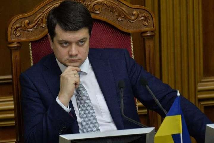 «Президент изменился» Разумков рассказал, как повлиял год президентства на Зеленского: стал жестче