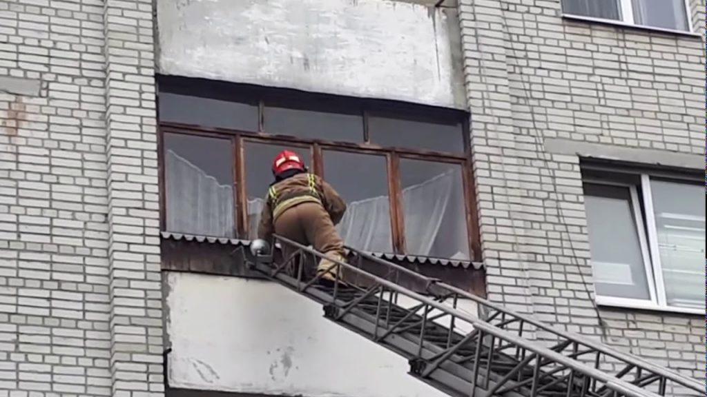 «Трупный запах было слышно уже на целый дом»: Во Львове в квартире нашли тело женщины, которая умерла месяц назад