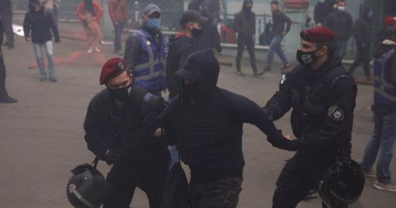 Зеленский не ожидал! В Киеве задержали 17 граждан. Продолжают угрожать