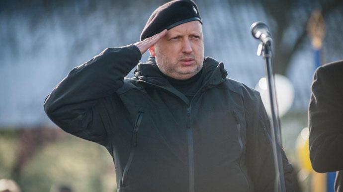 К обеду! Турчинов ошеломил — депутатский мандат, просто сейчас в Раде. Готовят бунт — снести!