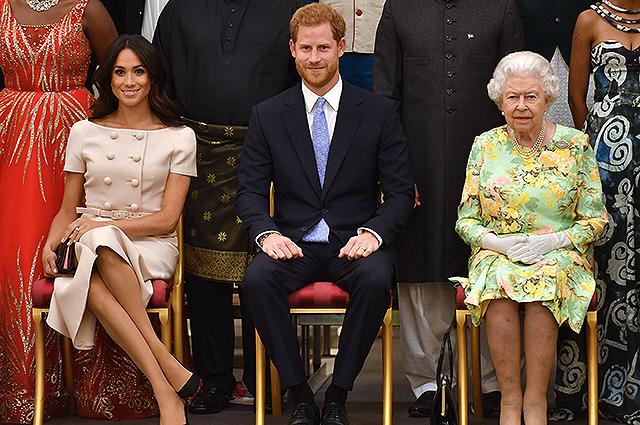 «И снова из-за Меган»: Принц Гарри серьезно поскандалил с королевой Елизаветой. «Незадолго до …»