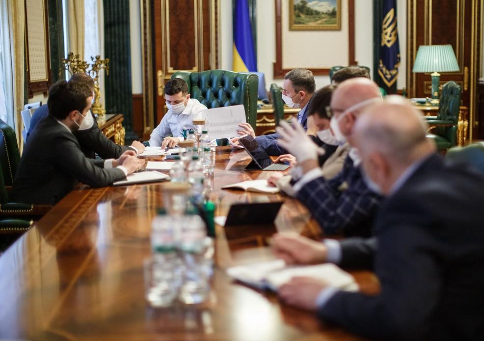 «Абсолютно ничтожные бумажки» В Зеленского отличились неожиданным заявлением. «Грубо нарушает международное право»