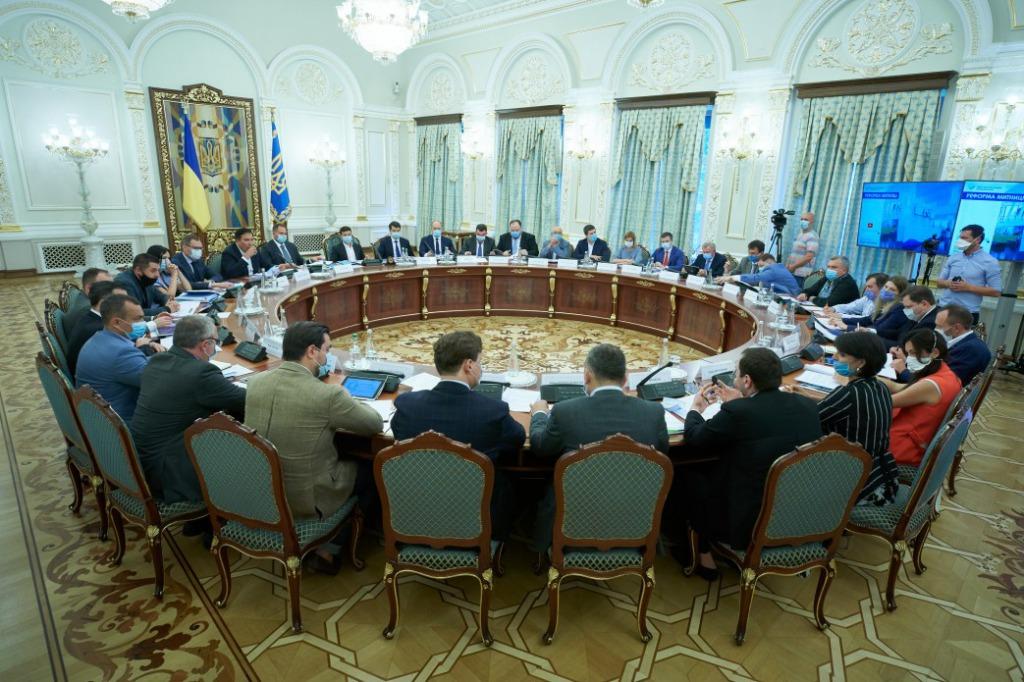 «Кто-то должен нести ответственность»: Зеленский провел первое важное заседание. «Требуют быстрых действий!»