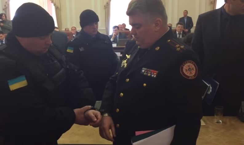 Задержали прямо на заседании Кабмина»: Скандального чиновника восстановили в высокой должности. Украинцы разъярены